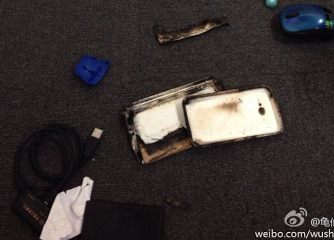 Xiaomi-phone-catches-fire-melts-and-explodes-in-China3