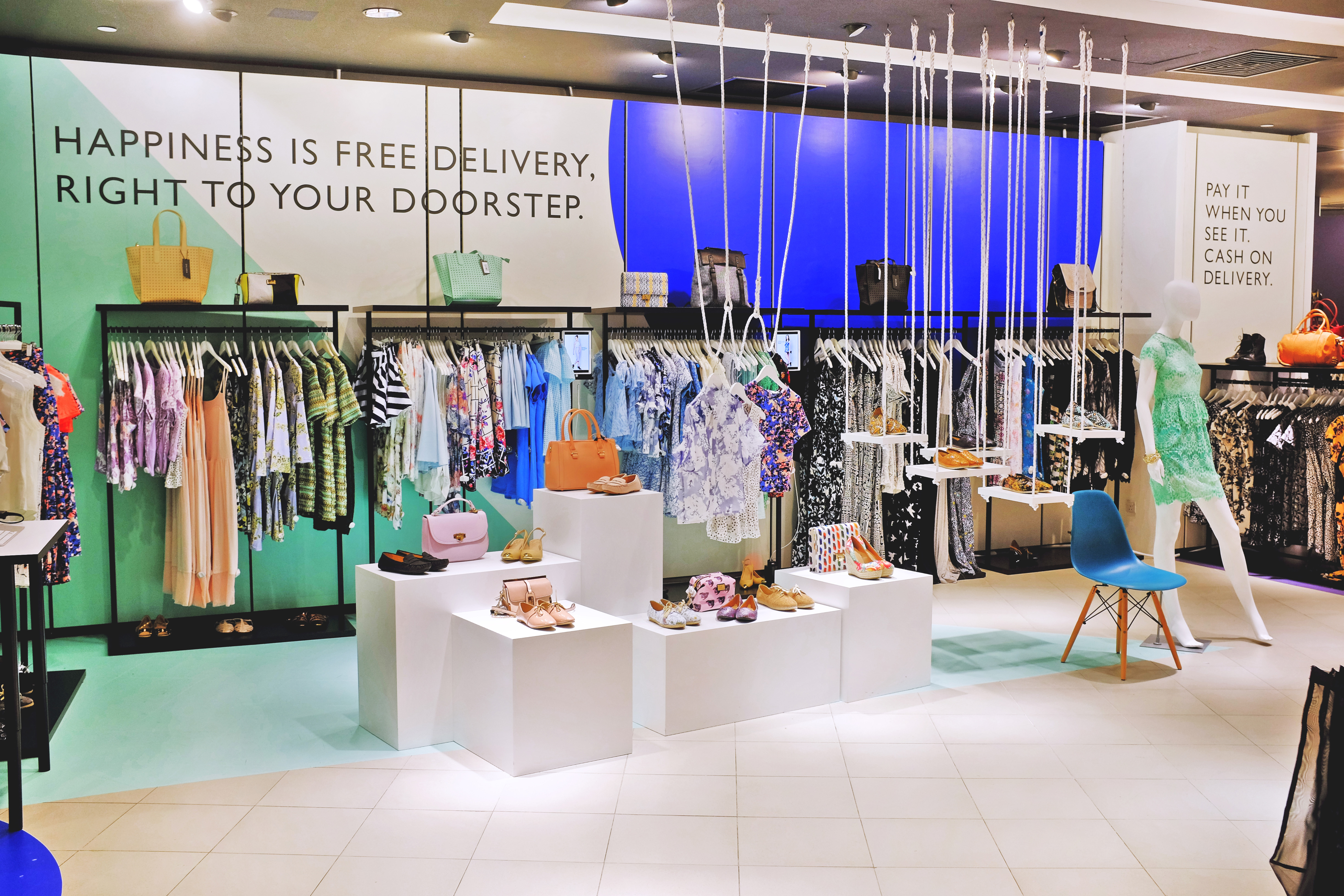 Is Pop-Up Retail the Solution for Sustainable Fashion? - TriplePundit Save fashion pop up store