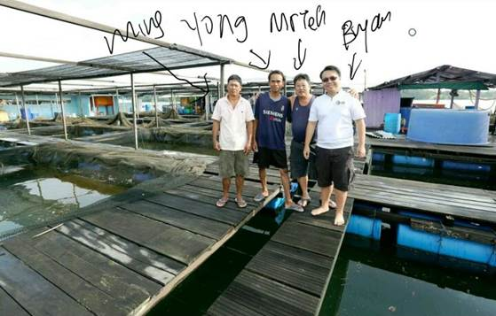 The crew at Ah Hua Kelong. Image Credit: Ah Hua Kelong
