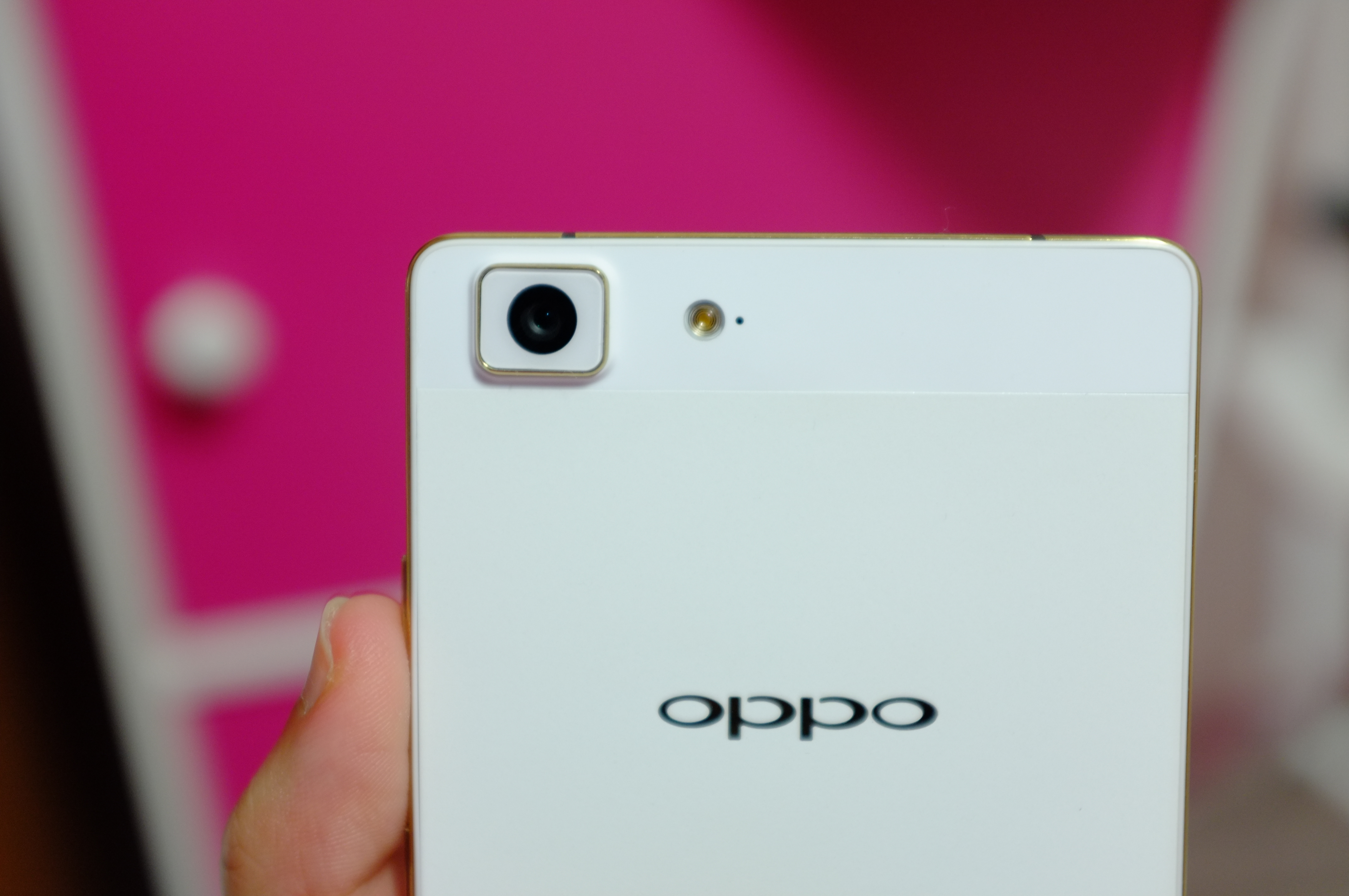 [REVIEW] OPPO R5 – The Slimmest Smartphone In The World