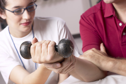 woman_man_dumbell_hand-e1423928483896