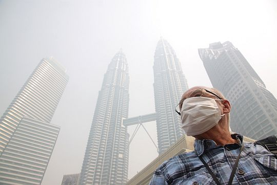 KL in the haze (Image Credit: themalaysianinder.com)