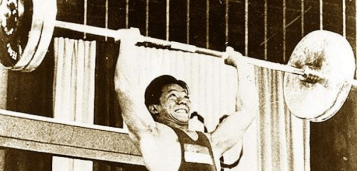 weightlifter Tan Howe Liang winning the silver medal at the Rome Olympics/ image credit: online citizen