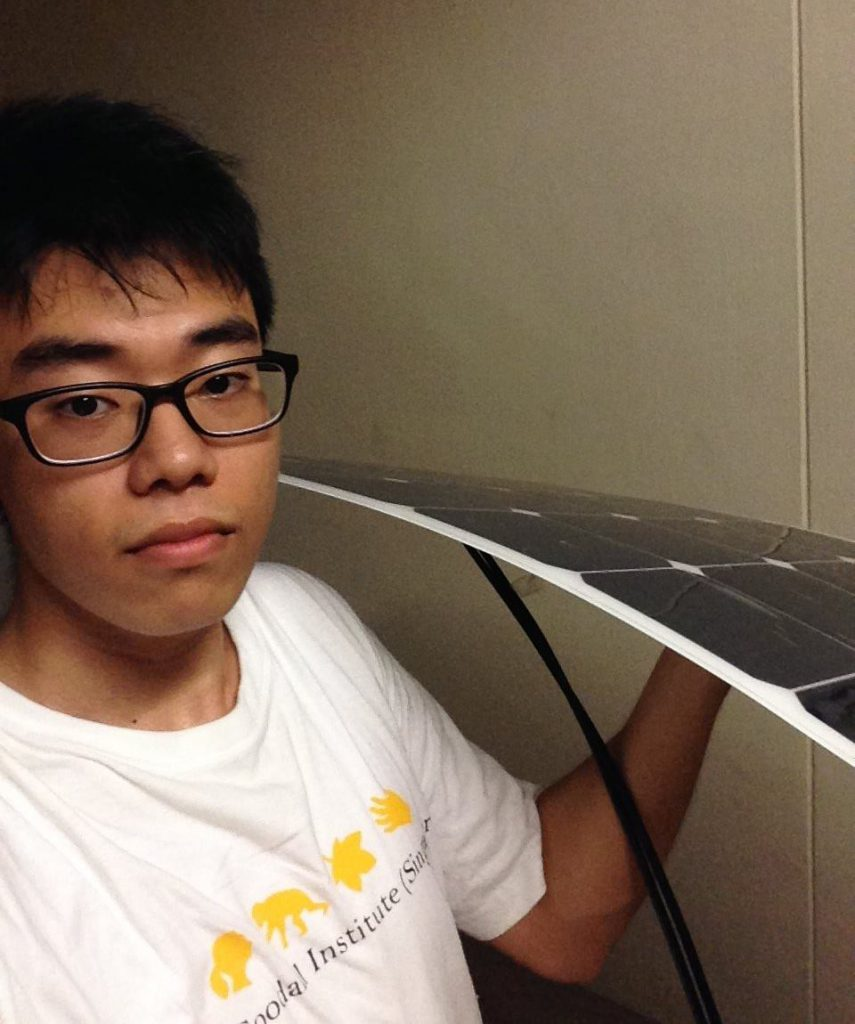 Tan Yi Hao with his solar powered project/ Image Credit: Tan Yi Hao Facebook