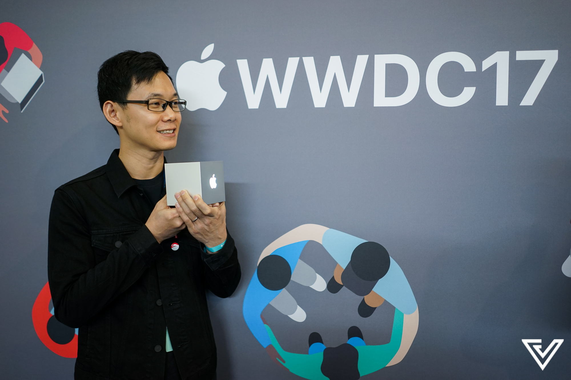 Excellent Singapore Duo Wins Apple Design Awards With Currency App Elk Download Free Architecture Designs Lectubocepmadebymaigaardcom