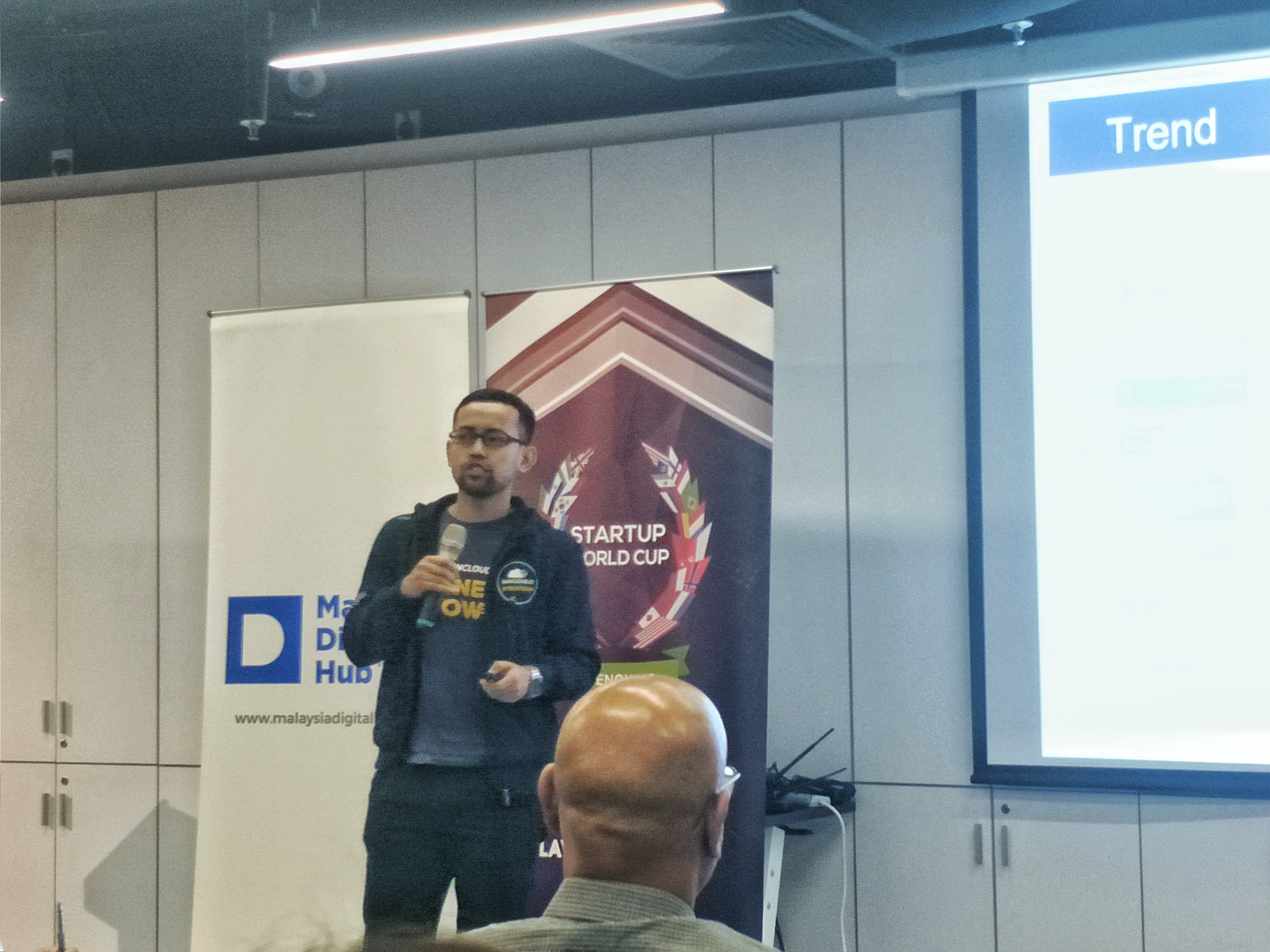 Arif Representing RunCloud During The Finalists Pitch