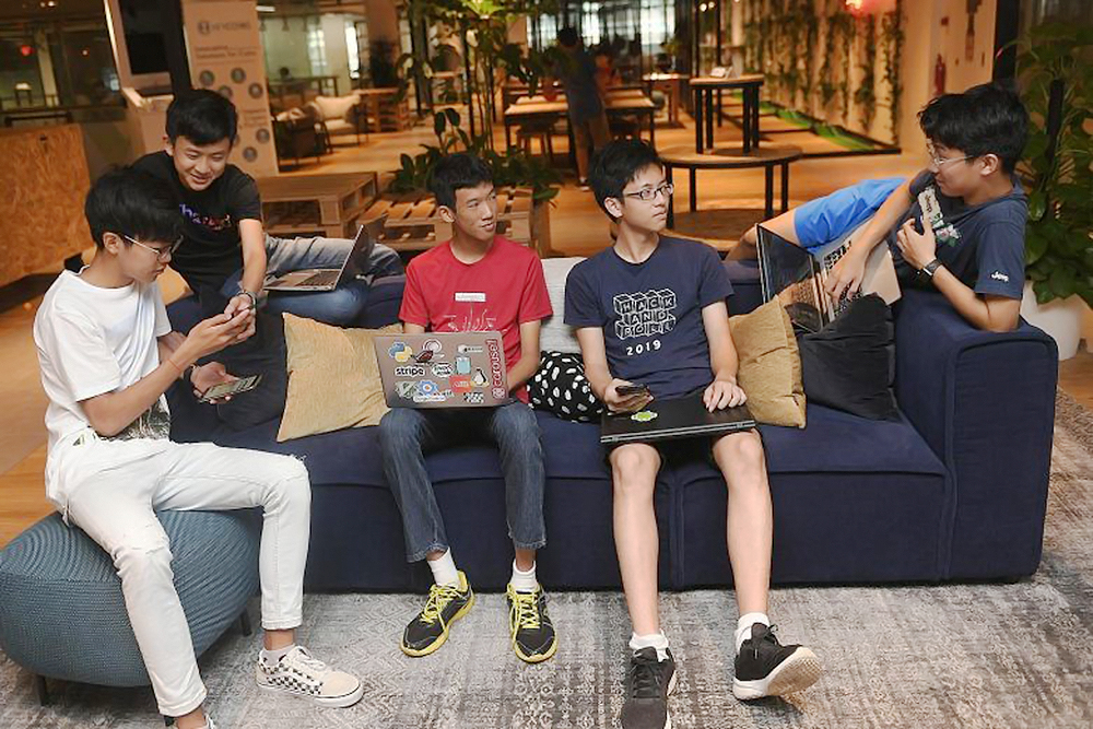 singapore student entrepreneurs raffles institution bridge payment app startup