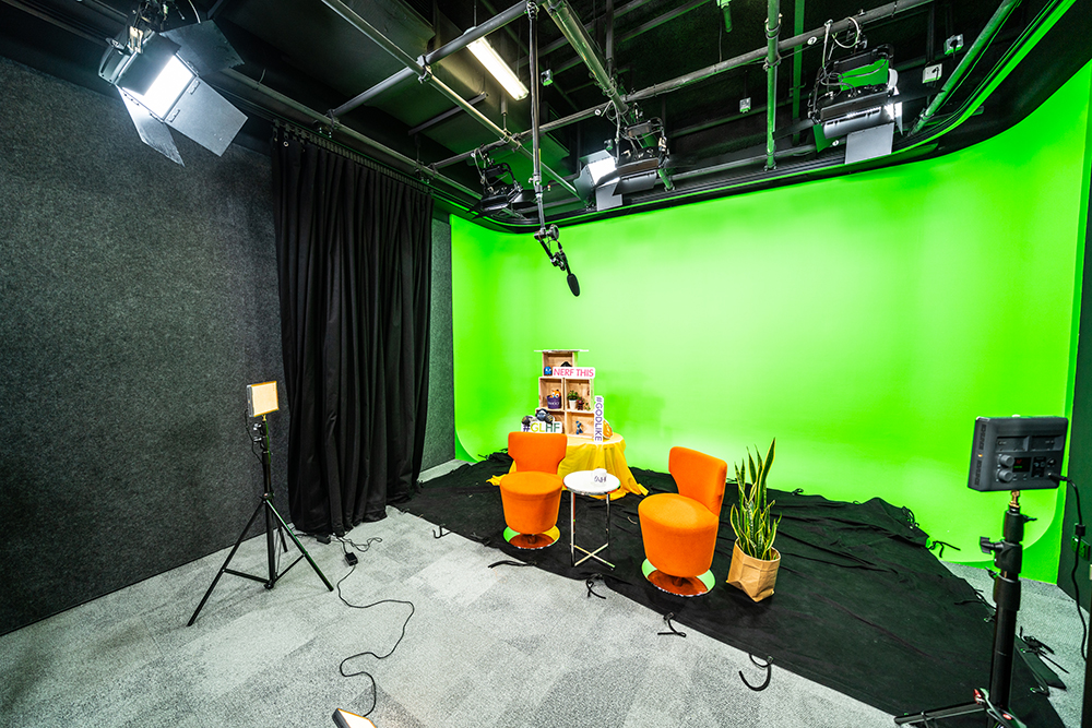 yahoo tv singapore studio green screen filming set up