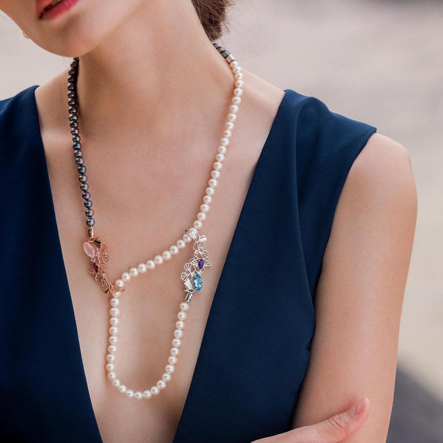 Carrie K. Pearl necklace
