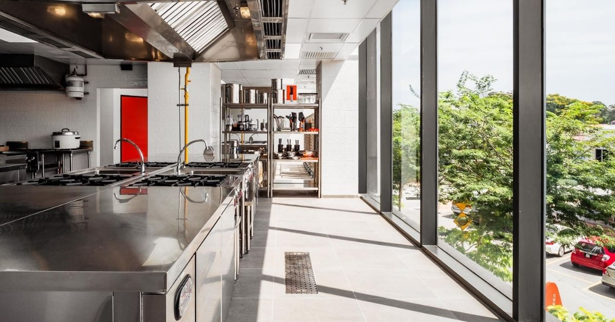 The Pros Cons Of A Cloud Kitchen And The Kinds Of M Sian F Bs Who Can Benefit From It News Wwc